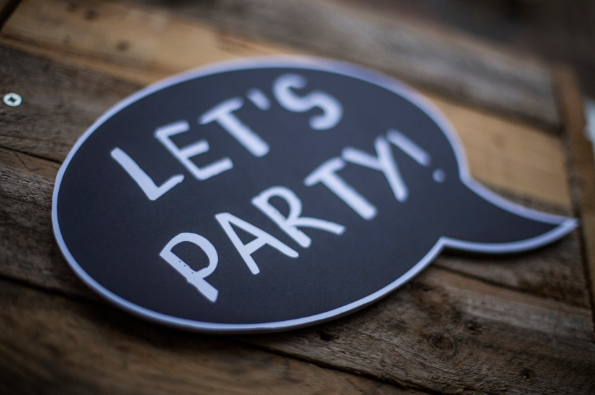 Speech bubble saying 'Let's Party'